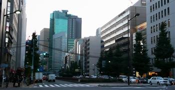 三原橋から築地方面を_edited-1.jpg